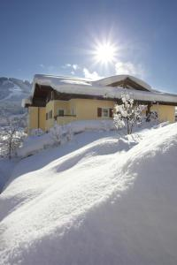 Hotel Hubertus during the winter