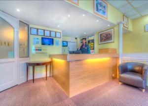 The lobby or reception area at Comfort Inn Birmingham