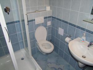 Vonios kambarys apgyvendinimo įstaigoje Penzión Biela Voda