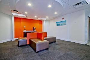 Lounge nebo bar v ubytování Motel 6-Miami, FL