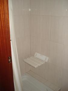 A bathroom at Albergue De Fayacaba