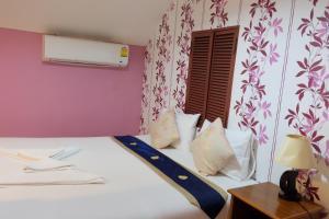 A room at Chalala Samui Resort