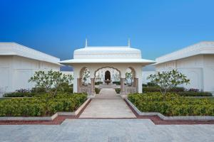 The facade or entrance of The Oberoi Sukhvilas Spa Resort, New Chandigarh