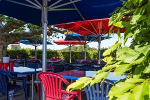 Ein Restaurant oder anderes Speiselokal in der Unterkunft Motel Steighof