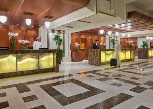 The lobby or reception area at Swissotel Al Maqam Makkah