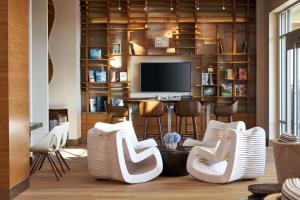 The lounge or bar area at Paséa Hotel & Spa