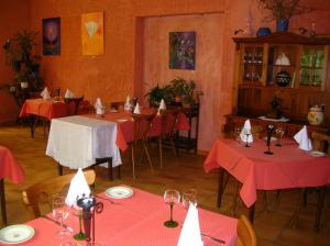 Restaurant ou autre lieu de restauration dans l'établissement Hotel-Restaurant du Windstein