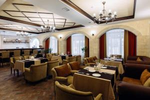 Ресторан / где поесть в Отель Арагон