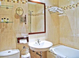 A bathroom at Los Cantaros