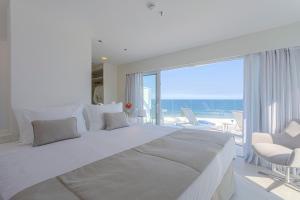 Cama ou camas em um quarto em CDesign Hotel