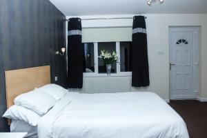 A room at OYO Ashiana