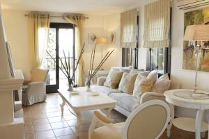 Кът за сядане в Aegean Suites Hotel