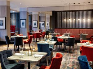 A restaurant or other place to eat at DoubleTree by Hilton Glasgow Central