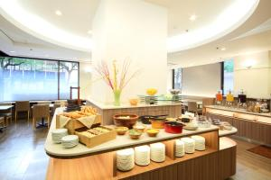 A restaurant or other place to eat at Takamatsu Tokyu REI Hotel