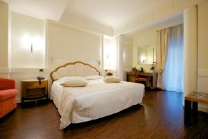 A room at Mercure Parma Stendhal