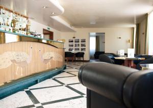 Лаундж или бар в PHI Hotel Astoria