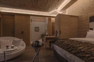 Ein Zimmer in der Unterkunft Caschu Alp Boutique Design Hotel Stoos