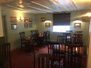 A restaurant or other place to eat at The Winchfield Inn