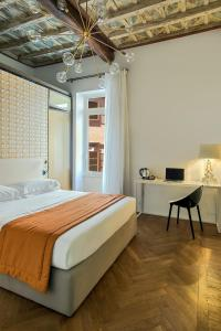 A room at Boutique Centrale Palace Hotel
