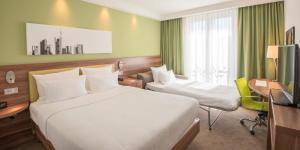 A room at Hampton by Hilton Frankfurt City Centre