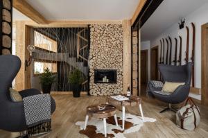The lounge or bar area at Villa 11 Folk & Design