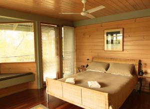 A room at Bombah Point Eco Cottages