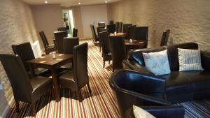 מסעדה או מקום אחר לאכול בו ב-The Dolphin Hotel