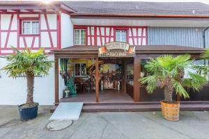 Eine Fassade oder ein Eingang zu Motel Steighof