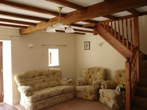 The lounge or bar area at Park Farm B&B
