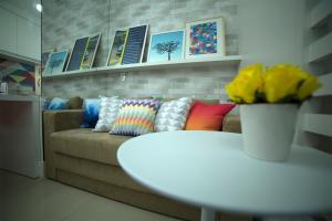 O lounge ou bar de Flat Farol da Barra 2