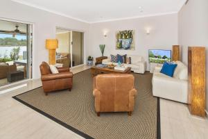 A seating area at Beach House @ The Cove