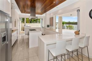 A kitchen or kitchenette at Beach House @ The Cove