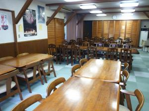 A restaurant or other place to eat at Refre Inn Fukuzawa