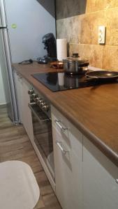 A cozinha ou cozinha compacta de Studio Max
