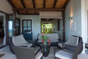 The lobby or reception area at Tres Belle Villa Seychelles