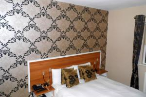 A room at Creevy Pier Hotel