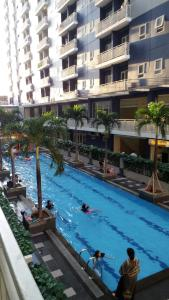 The swimming pool at or close to Marzeta Property