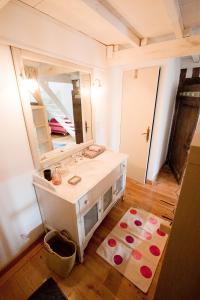 A bathroom at Les Trois Maillets, Monument Historique