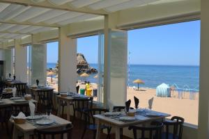 A restaurant or other place to eat at Promar - Eco Beach & Spa Hotel
