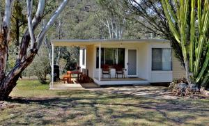 A porch or other outdoor area at Capertee National Park Cottages