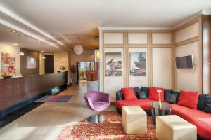 Hall o reception di Leonardo Hotel Köln Bonn Airport