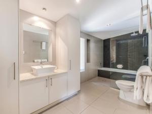 A bathroom at Marcoola House, Pet Friendly, Sunshine Coast