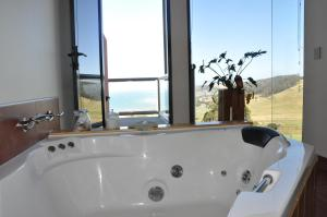 A bathroom at Black Rock Retreat