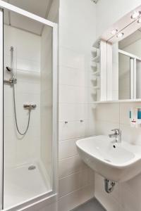 A bathroom at Pension Dagmar