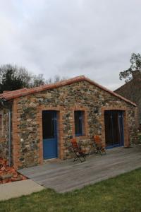 A porch or other outdoor area at La Maison Des Landes