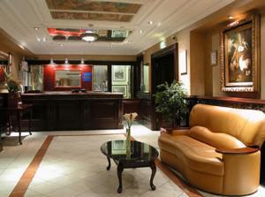 The lobby or reception area at Britannia Hotel Birmingham New Street Station Birmingham