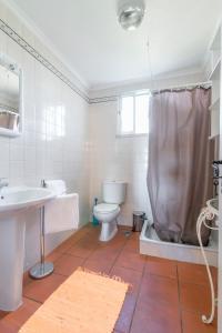 Uma casa de banho em Casal dos Crespos House