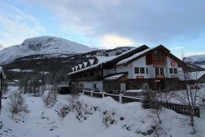 Fanitullen Apartments om vinteren