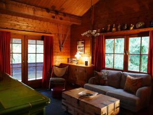 Ein Sitzbereich in der Unterkunft Ferienhaus Taunus I