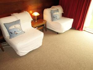 A bed or beds in a room at Craig y Nos